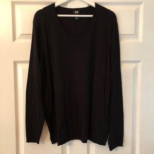 H&M Fine Knit V Neck Sweater in Black. Size XL.